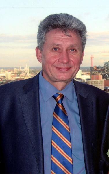 Президент Европейской федерации хирургии ожирения и метаболических нарушений (IFSO-European Chapter) Ю.И.Яшков (Бандажирование желудка)